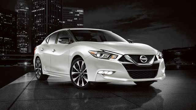 2017-Nissan-Maxima-Overview